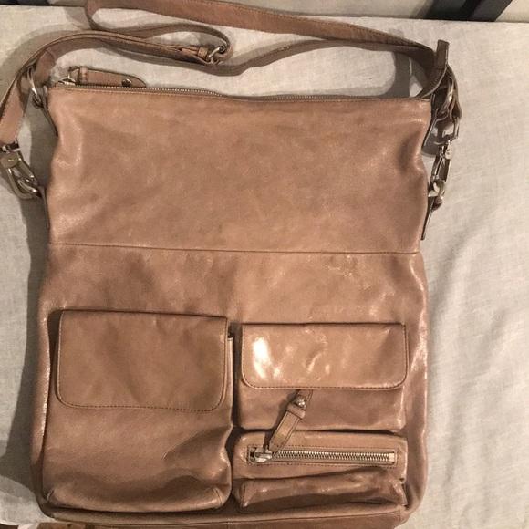 3217f36fe1 HOBO Handbags - 💛Hobo International large ash color crossbody💛